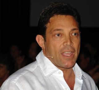 Jordan Belfort a fait du trading une carrière. Arrêté, condamné, son parcours a été adapté au cinéma.